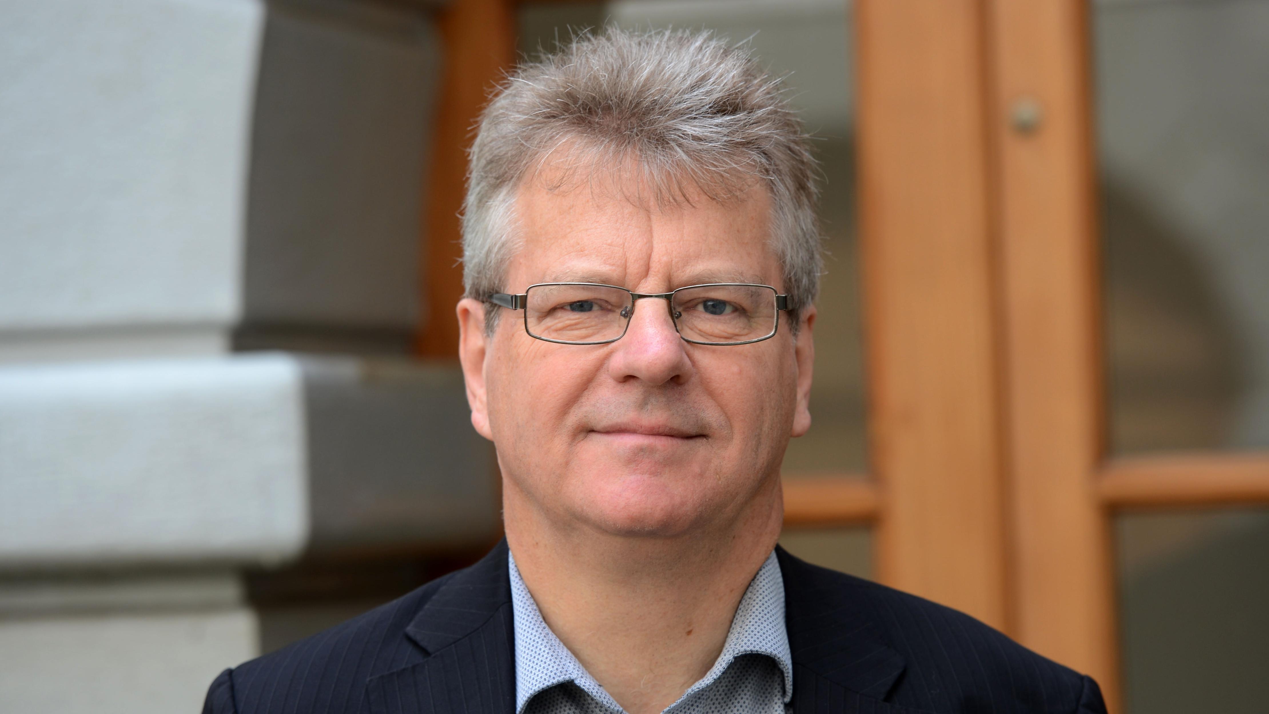 Prof. Bernhardt